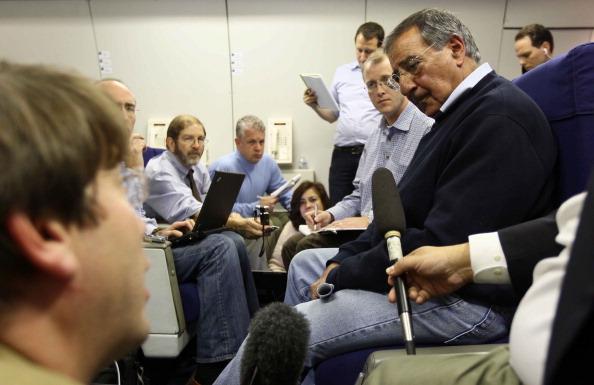 Joint Base Andrews「U.S. Secretary of Defense Leon Panetta Departs Washington, D.C.」:写真・画像(17)[壁紙.com]