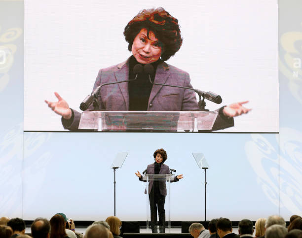 Elaine Chao「New Models Debut At North American International Auto Show」:写真・画像(11)[壁紙.com]