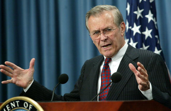 Alex Wong「Rumsfeld And Myers Give Pentagon Briefing」:写真・画像(12)[壁紙.com]