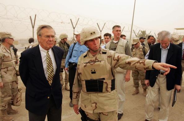 Abu Ghraib Prison「Rumsfeld Tours Abu Ghraib Prison In Iraq」:写真・画像(12)[壁紙.com]