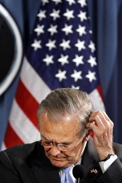 Head「Rumsfeld Hosts The South Korean Defense Minister At The Pentagon」:写真・画像(13)[壁紙.com]