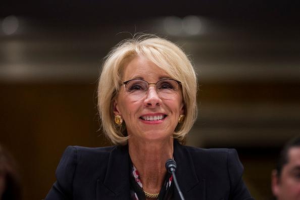 Betsy DeVos「Education Secretary Betsy DeVos Testifies To Senate Committee On Department's Budget」:写真・画像(19)[壁紙.com]