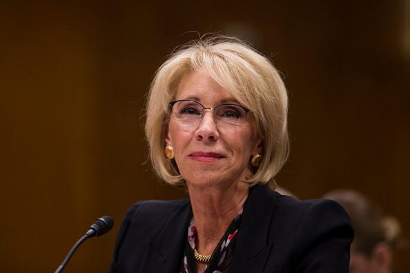 Betsy DeVos「Education Secretary Betsy DeVos Testifies To Senate Committee On Department's Budget」:写真・画像(1)[壁紙.com]