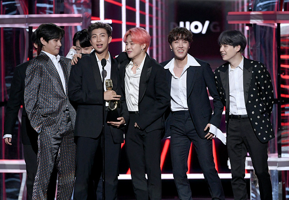 Kim Seok-jin「2019 Billboard Music Awards - Show」:写真・画像(10)[壁紙.com]