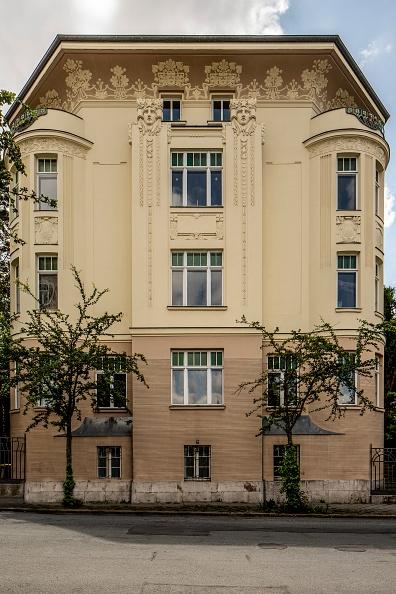 Costume Jewelry「Art Nouveau Residence」:写真・画像(16)[壁紙.com]