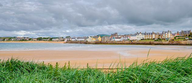 Fife - Scotland「Elie, a popular seaside resort gathered around a curve of golden sand. East Neuk of Fife, Scotland.」:スマホ壁紙(19)