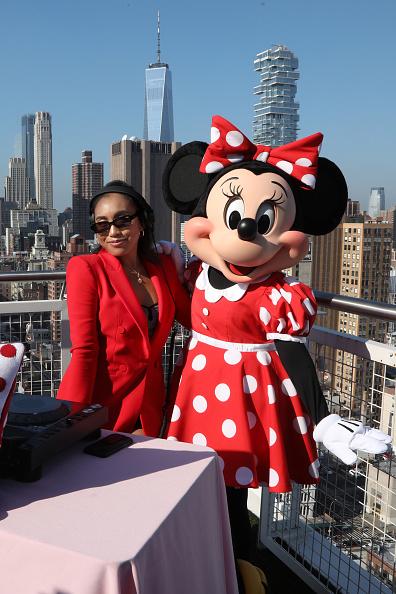 ミニーマウス「Minnie Mouse 90th Anniversary Celebration」:写真・画像(8)[壁紙.com]