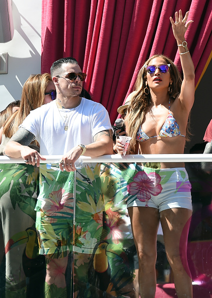 "Guest「Jennifer Lopez Hosts ""Carnival Del Sol"" At Drai's Beach Club - Nightclub」:写真・画像(0)[壁紙.com]"
