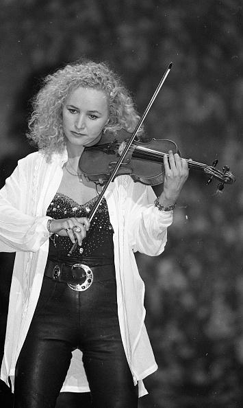Violin「Eurovision Song Contest, Fionnuala Sherry 1995」:写真・画像(6)[壁紙.com]