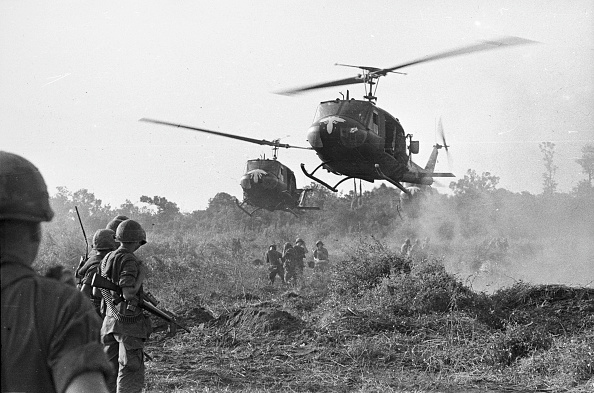 Helicopter「Vietnam Helicopters」:写真・画像(13)[壁紙.com]