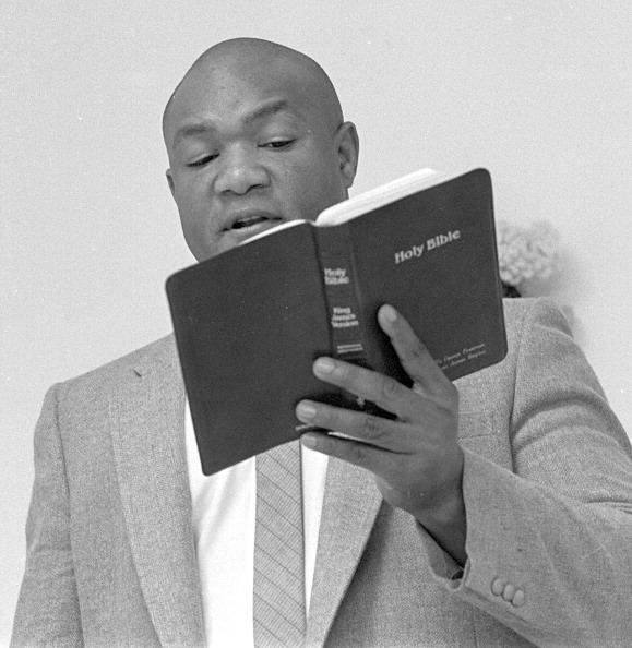 George Foreman「George Foreman Preaches」:写真・画像(3)[壁紙.com]