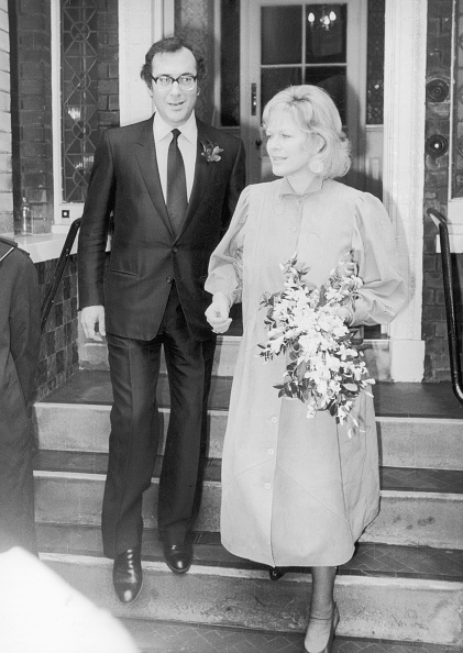 Bride「Literary Couple」:写真・画像(18)[壁紙.com]