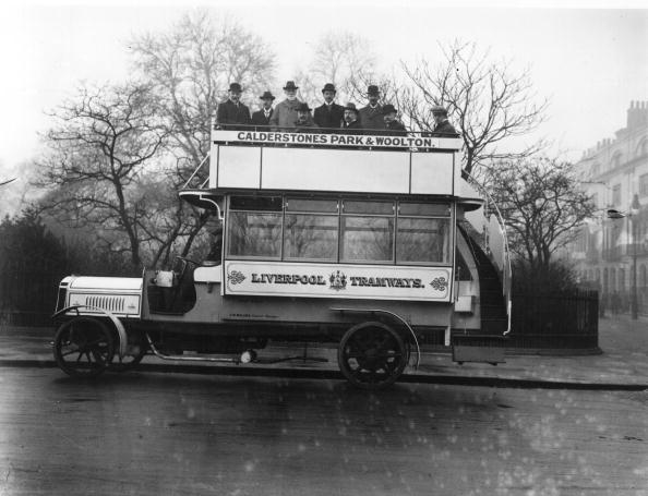 Bus「Motor Bus」:写真・画像(0)[壁紙.com]