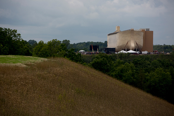 Aaron P「Creationist Builds Large Scale Noah's Ark In Northern Kentucky」:写真・画像(4)[壁紙.com]