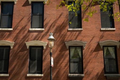 Gas Light「Historic building and gas street light.」:スマホ壁紙(1)