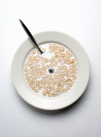 Bowl「Glass eye in bowl of cereal」:スマホ壁紙(13)
