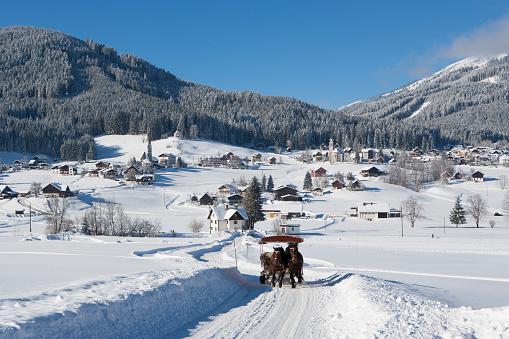 Dachstein Mountains「Austria, Upper Austria, Salzkammergut, Gosau, Ski area Dachstein-West」:スマホ壁紙(9)