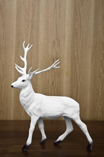 Figurine「Reindeer figurine」:スマホ壁紙(7)