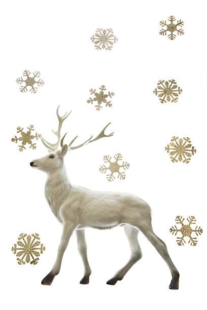 Reindeer figurine and snowflakes:スマホ壁紙(壁紙.com)
