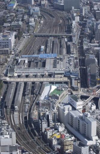 Tokyo - Japan「Ueno Station, Aerial View, Pan Focus」:スマホ壁紙(7)