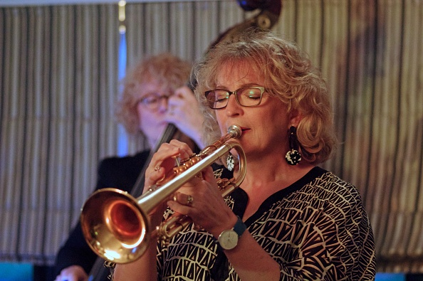 Trumpet「Sue Richardson」:写真・画像(11)[壁紙.com]