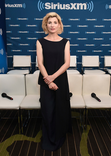 黒のパンツ「SiriusXM's Entertainment Weekly Radio Broadcasts Live From Comic Con in San Diego」:写真・画像(5)[壁紙.com]