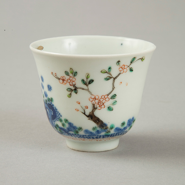 Poetry- Literature「Underglaze blue month cup with polychrome enamelled decoration, second half of 19th century」:写真・画像(15)[壁紙.com]