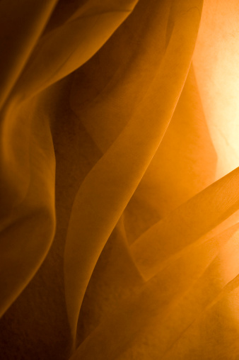 Sensuality「Fabric flows in golden light」:スマホ壁紙(17)