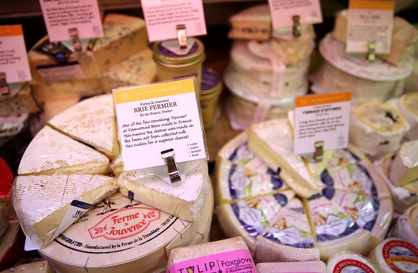 France「U.S. Proposes Tariffs On EU Products Such As Cheese, Olive Oil And Wine」:写真・画像(16)[壁紙.com]