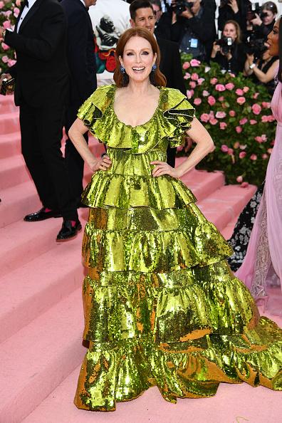 Scooped Neck「The 2019 Met Gala Celebrating Camp: Notes on Fashion - Arrivals」:写真・画像(11)[壁紙.com]