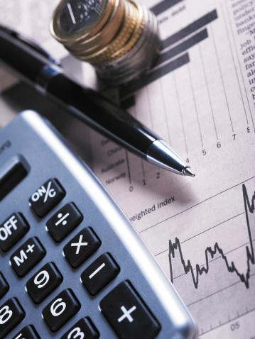 Financial Advisor「Financial Chart with Coins And Calculator」:スマホ壁紙(4)