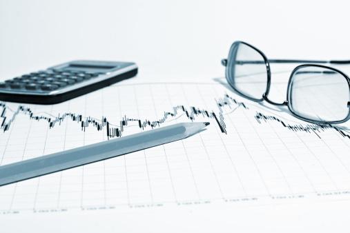 Better fortune「Financial chart and pencil」:スマホ壁紙(8)