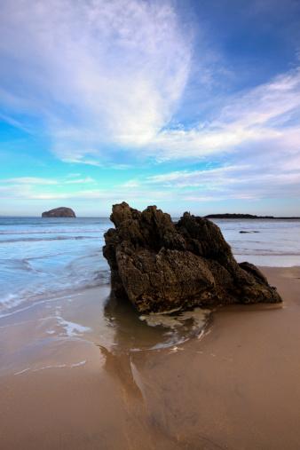East Lothian「Bass Rock from Seacliff Beach.」:スマホ壁紙(1)