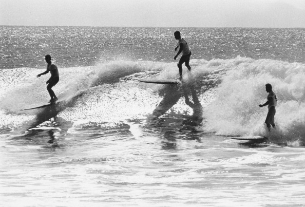 サーフィン「Surfing In Hawaii」:写真・画像(10)[壁紙.com]