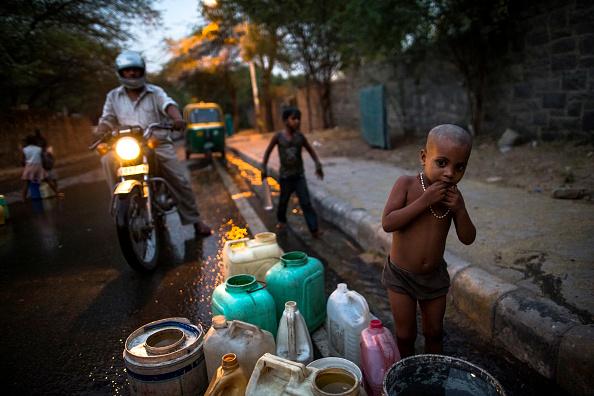 Water「Searing Heat In Delhi Fuel Fears Of Water Crisis」:写真・画像(5)[壁紙.com]