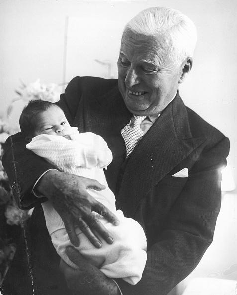 Switzerland「Chaplin And Newborn Son」:写真・画像(11)[壁紙.com]