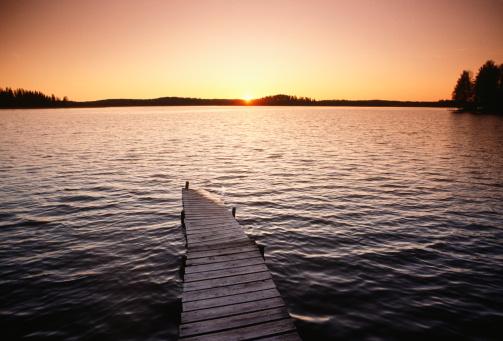 Finland「Lake at sunset, Lake Region, Finland」:スマホ壁紙(14)