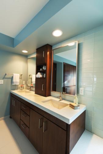 Dressing Table「Vanity Sink and Mirror, Modern Residential Home Bathroom Interior Design」:スマホ壁紙(5)