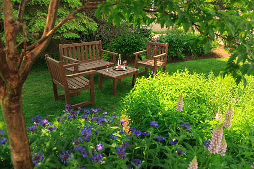 flower「Two Chairs and Bench Surrounded by Gardens」:スマホ壁紙(17)