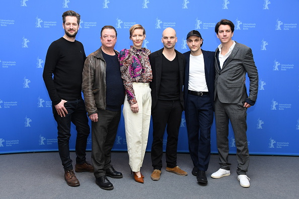 数人「'In the Aisles' Photo Call - 68th Berlinale International Film Festival」:写真・画像(8)[壁紙.com]