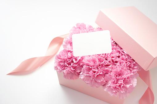 カーネーション「Carnation Flowers in Box」:スマホ壁紙(9)