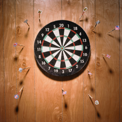 Sports Target「Darts in Wall」:スマホ壁紙(11)