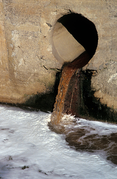 Water「Mexico water pollution from 'maquila' assembly plant industries. Mexico-USA border region」:写真・画像(13)[壁紙.com]