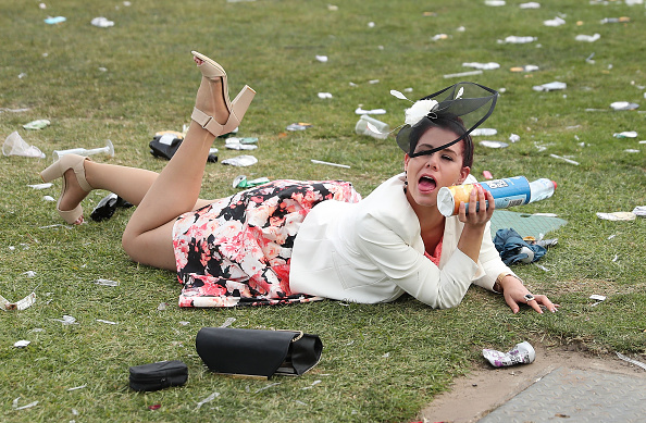 トップランキング「Revellers Enjoy Melbourne Cup Day Festivities」:写真・画像(12)[壁紙.com]
