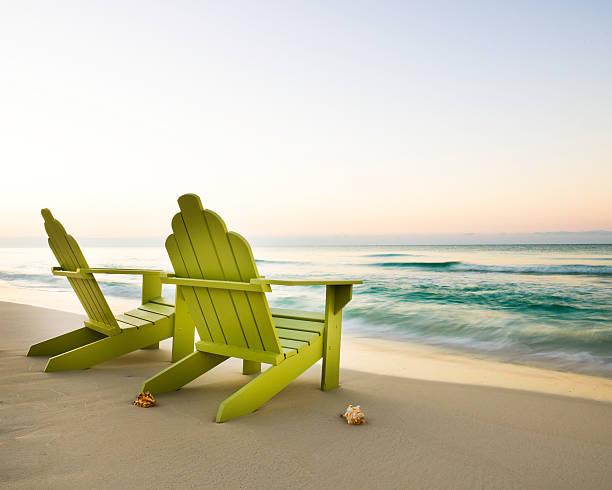Adirondack Chairs on Beach:スマホ壁紙(壁紙.com)
