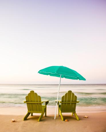 Adirondack Chair「Adirondack Chairs on Beach」:スマホ壁紙(15)