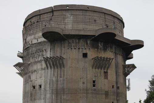Anti-Aircraft「Remains of Anti-aircraft G-Tower, Flak Tower VII in Augarten, Austria.」:スマホ壁紙(18)