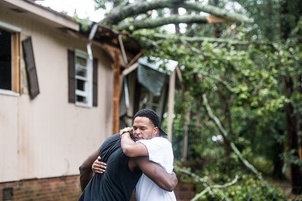 Embracing「Parts Of South Carolina Affected By Tropical Storm Michael」:写真・画像(13)[壁紙.com]