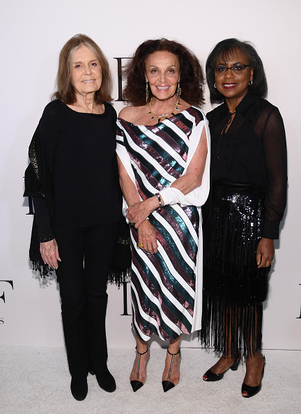 Striped Dress「10th Annual DVF Awards - Arrivals」:写真・画像(11)[壁紙.com]