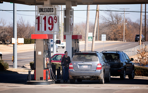 J Pat Carter「Steady Decline in Oil Prices Leads to Super Low Gas Prices」:写真・画像(19)[壁紙.com]